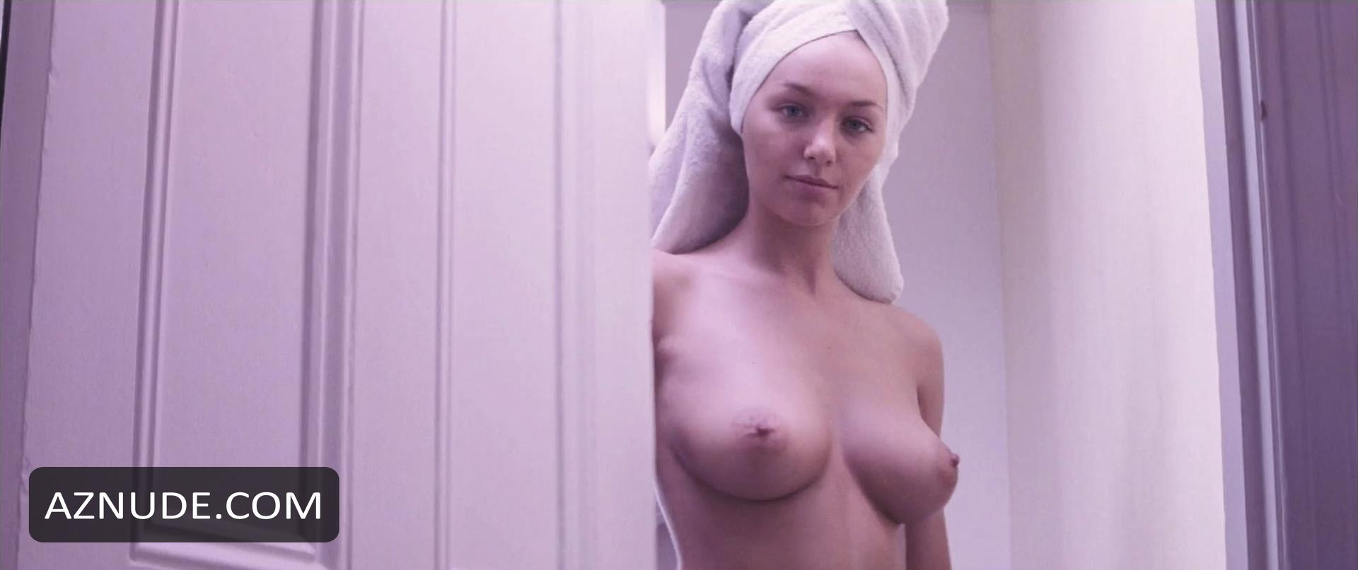 Teri recommend Hot women posing showing upskirt panties