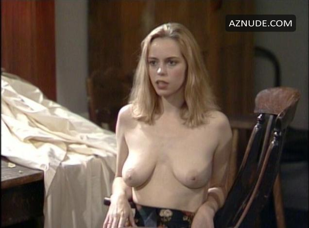 Elisabeth moss nude pics