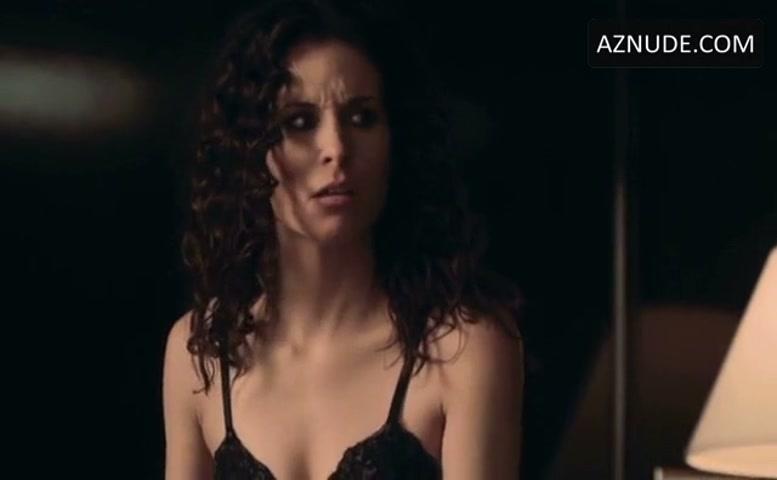 Holly Elissa Dignard Nude