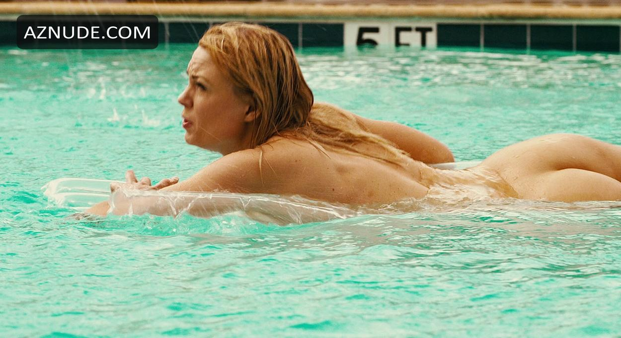 piranha 3dd nude scenes