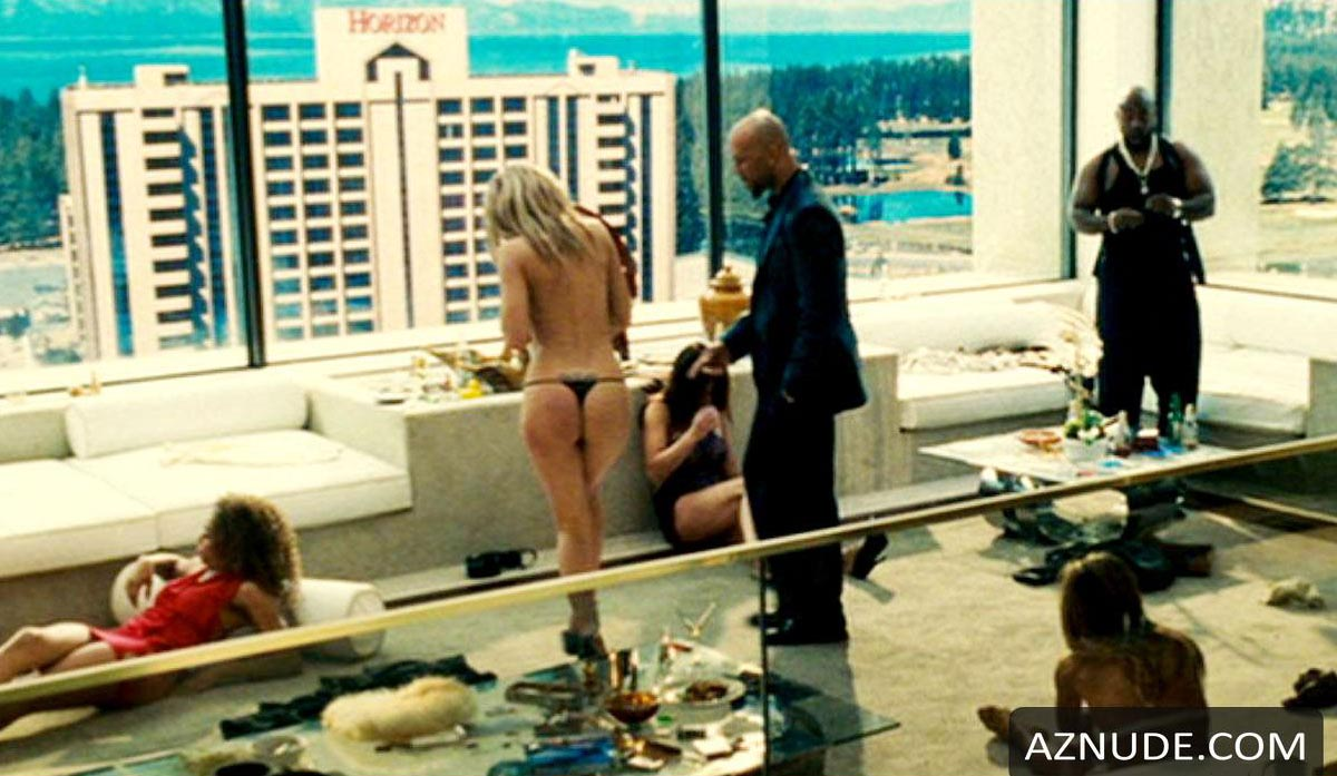 The nude girl in smokin aces that