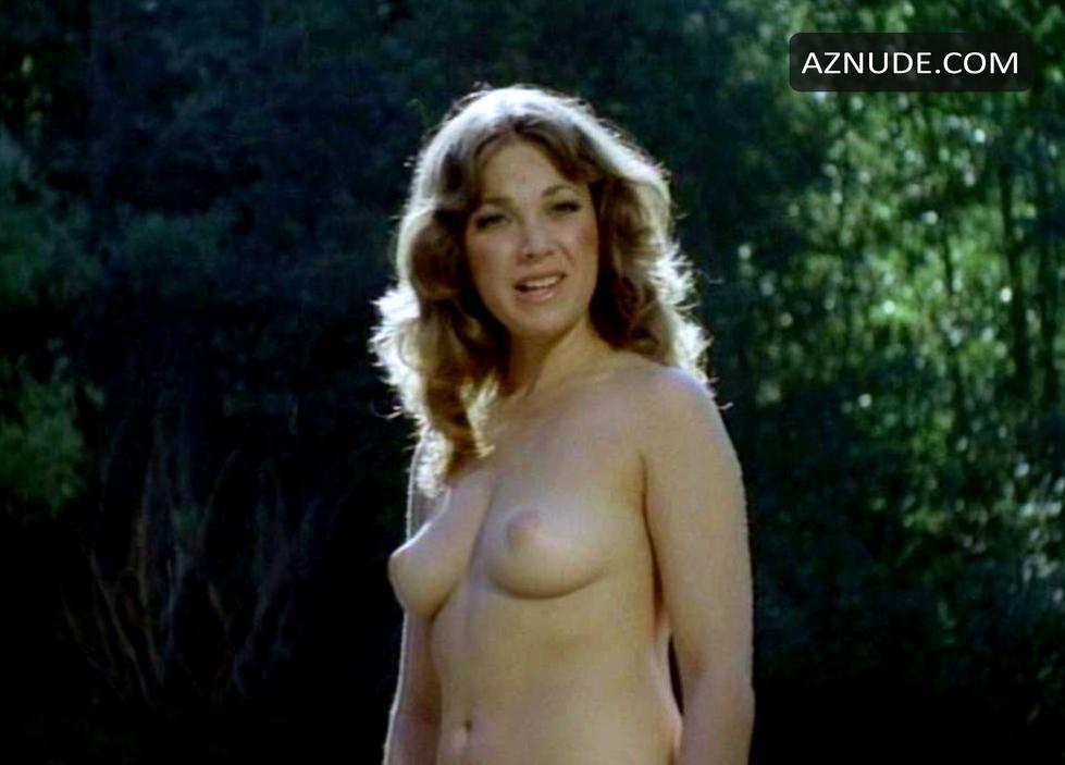 Hot women cameltoe nude gif