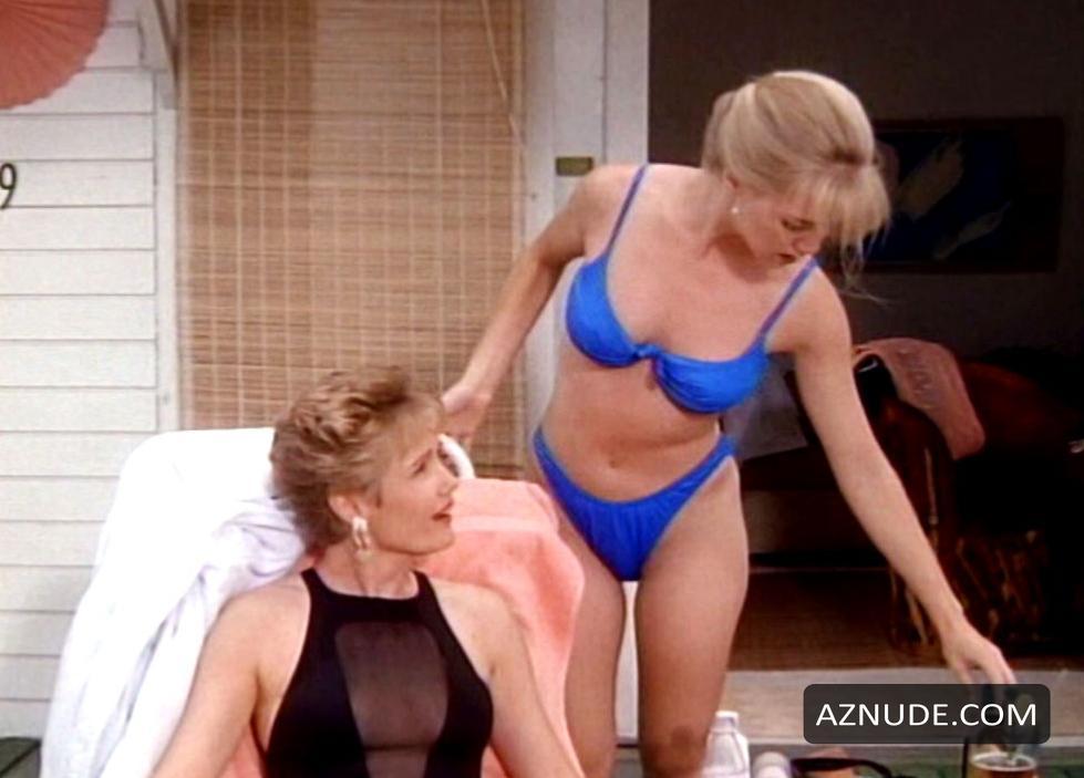 jennie garth topless