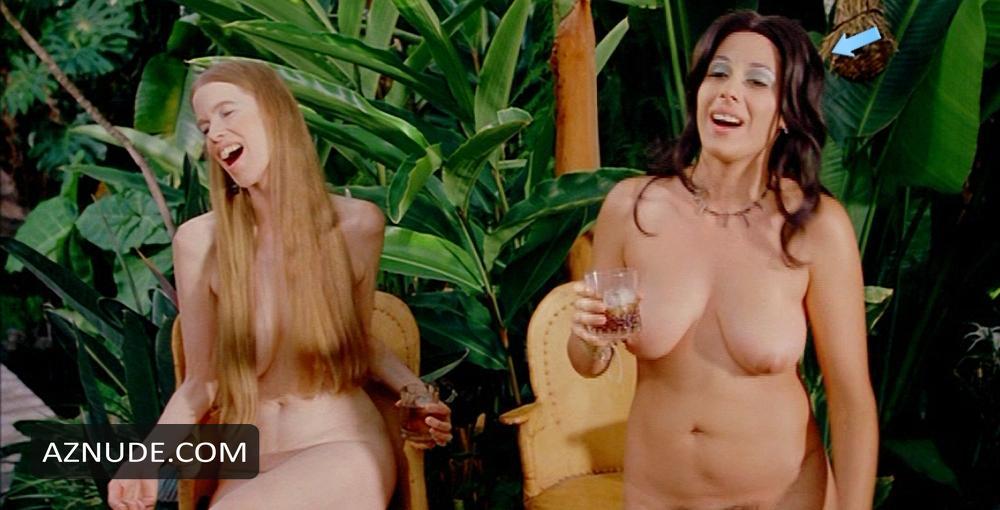 Natasha Lyonne Nude Pictures