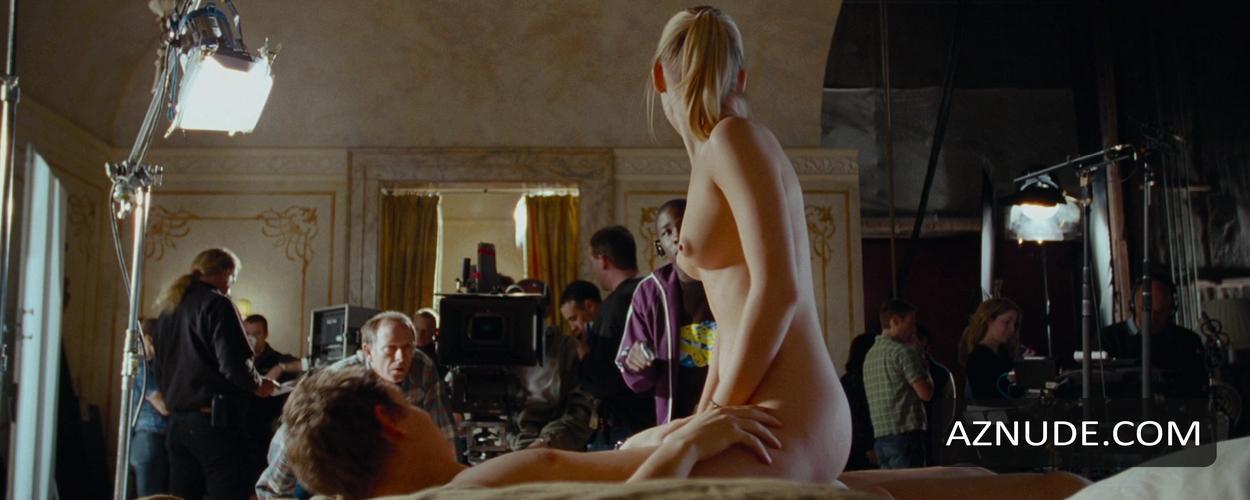 Boobs Laura Lenney Nude HD