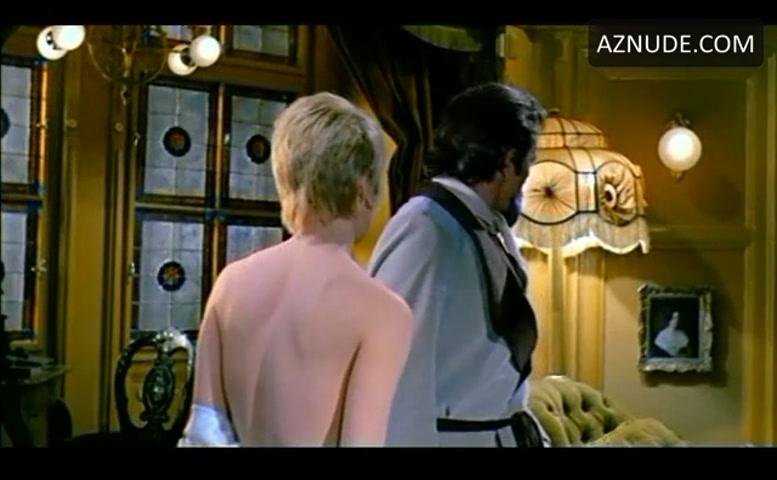 Topless Raquel Welsh Nude Pics Png