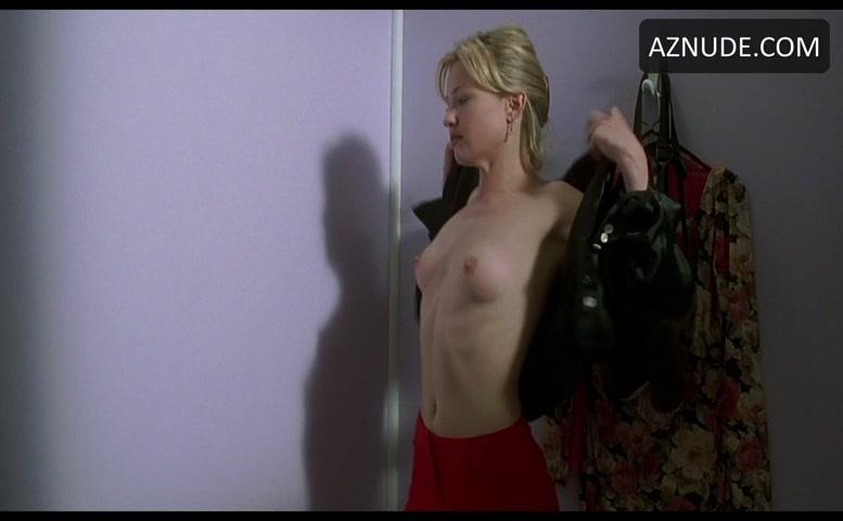 Joey Lauren Adams Breasts Scene In Mallrats - Aznude-4336