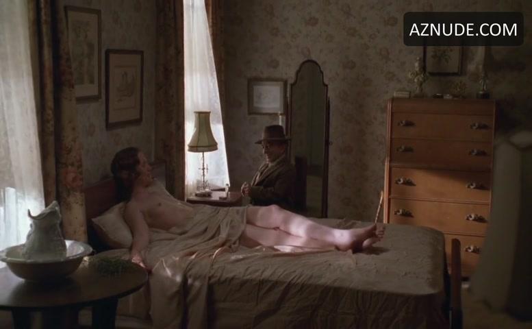 nude Judith hoag