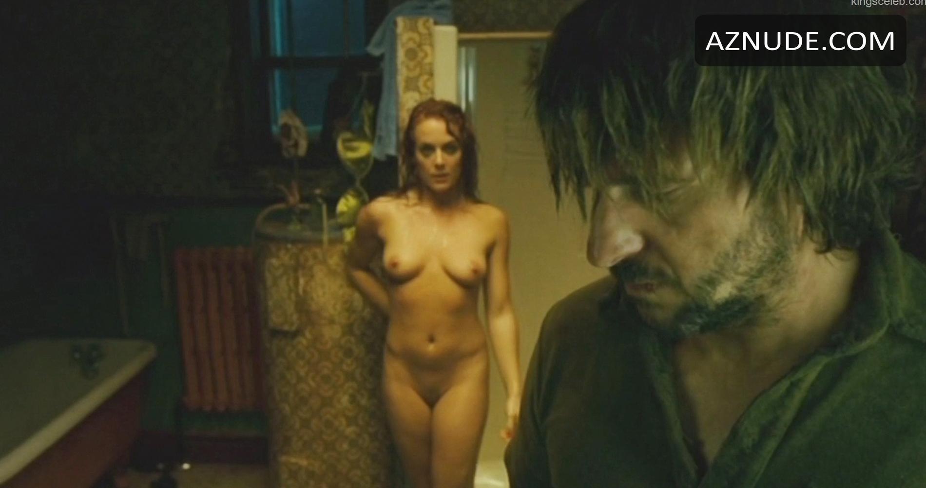 Julie Ølgaard  nackt
