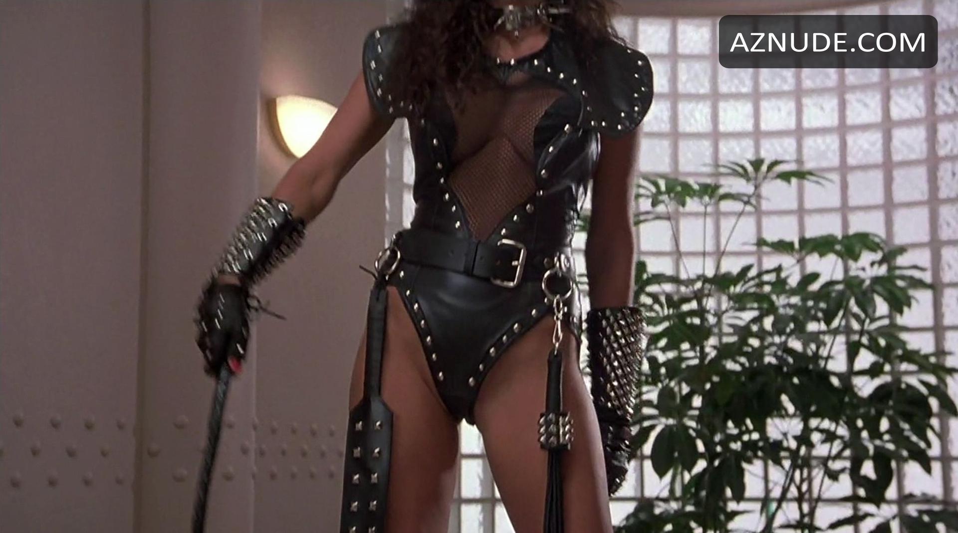 Raquel Welch Naked Gun  Hot Girl Hd Wallpaper-7257