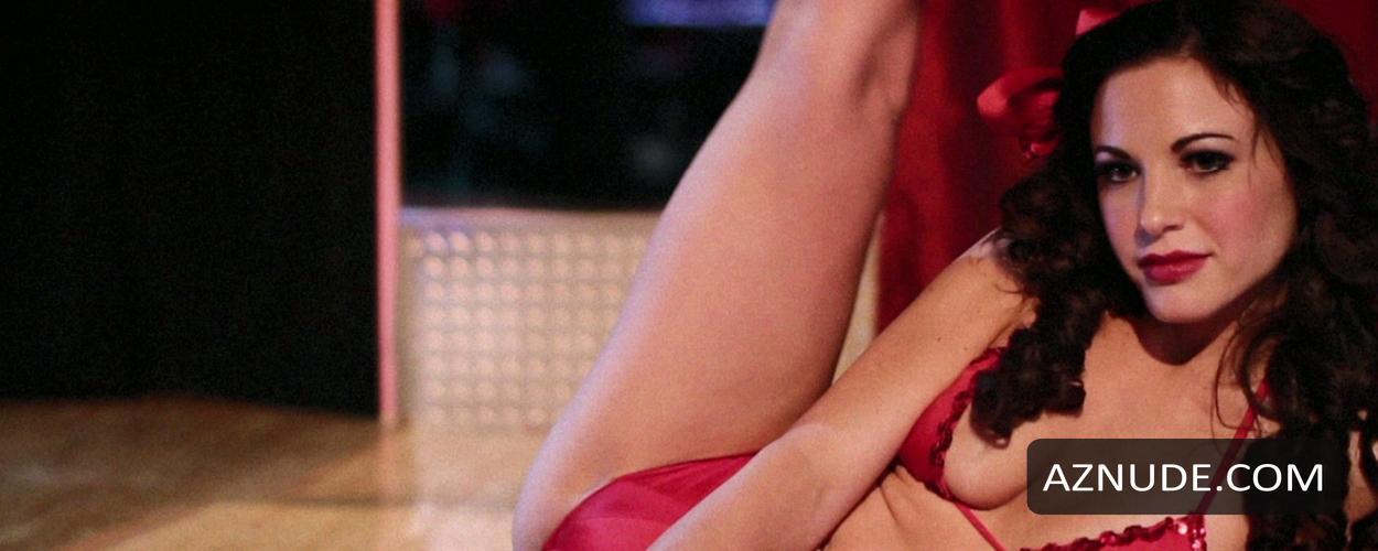 Nackt Julin  41 Hot