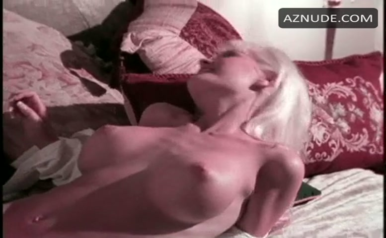 Girl gets cum on her tits
