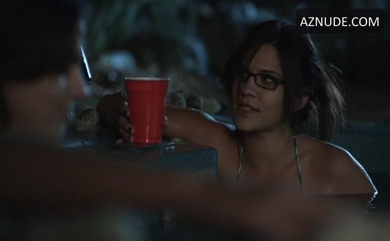 Nunes nackt Michelle  Jennifer Aniston