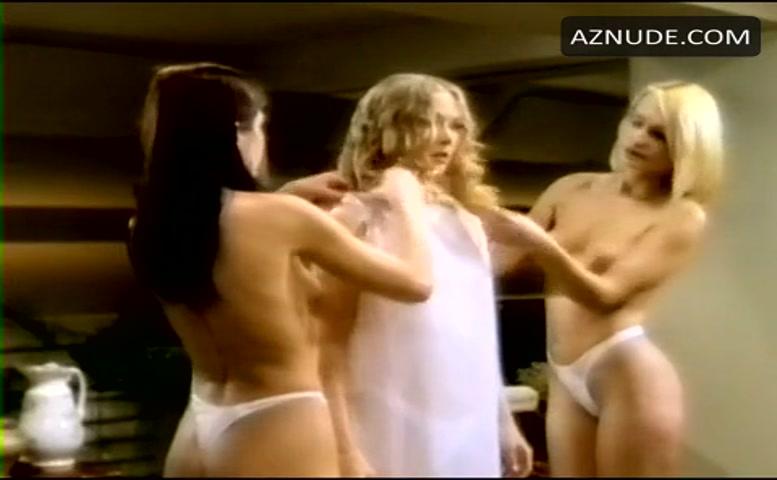 kira-reed-in-the-nude-amazon-tribal-nude