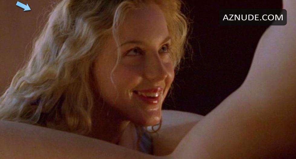 Adams nackt Kristin  Kirsten Dunst