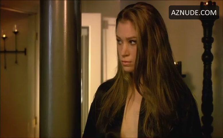 Lara Daans  nackt