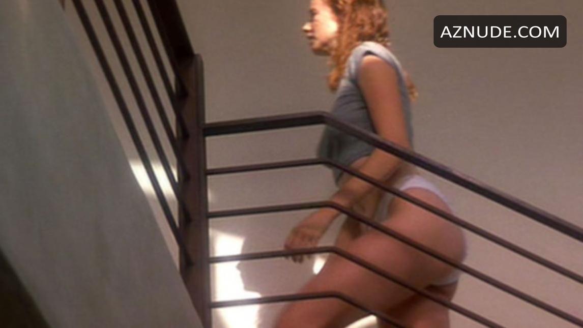 Mature Latina Spread Nude