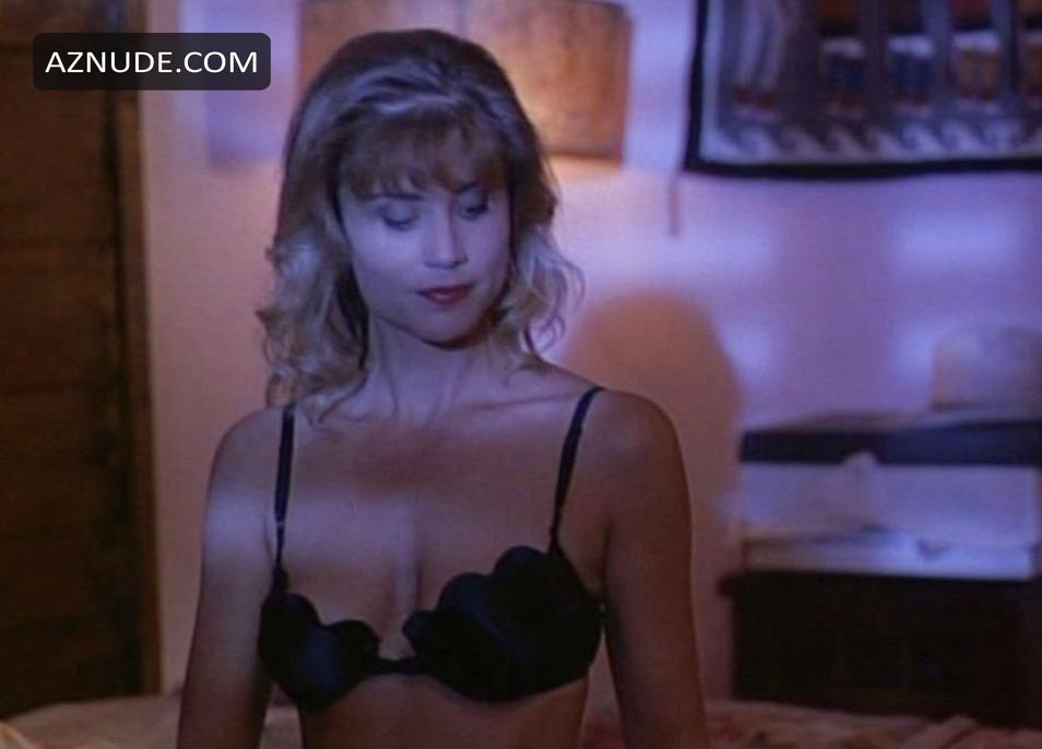 Laura Johnson  nackt