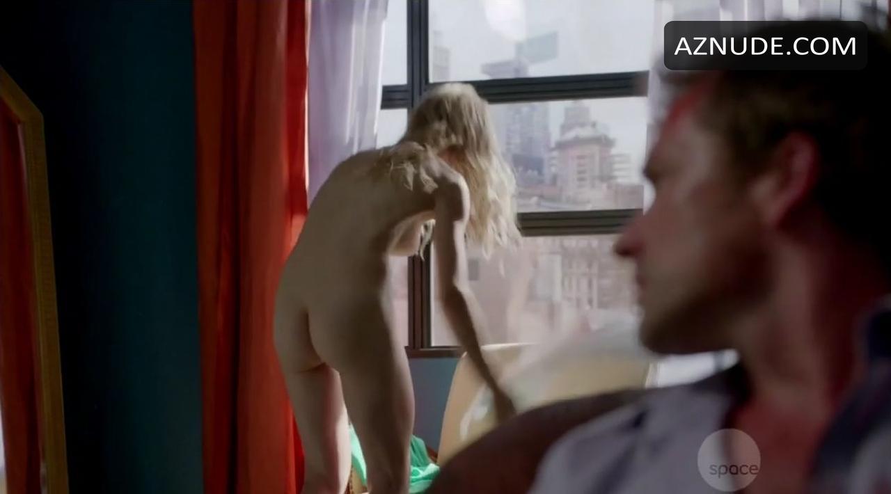 Boobs Nude Pics Of Laura Vandervoort Gif