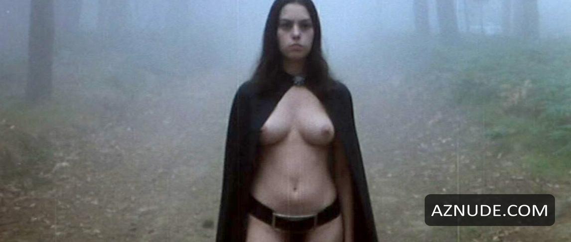 nude women of halloween movies