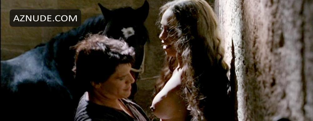 Nackt Linda Batista  Nude Celebrity