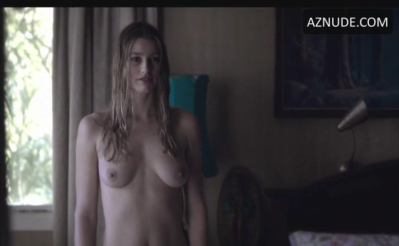 Nikita Sage  nackt