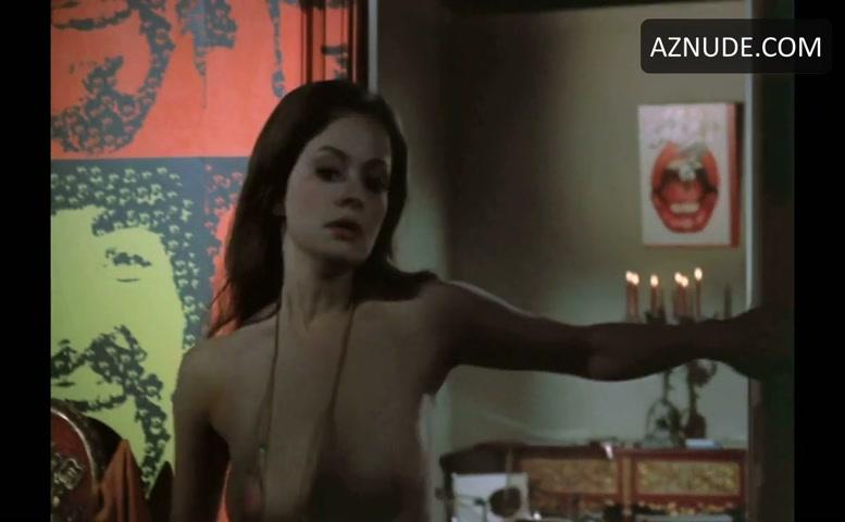 Sex amature nude pose