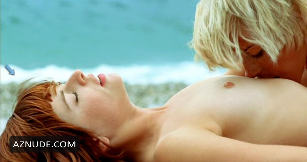 Angelina jolie nude in by the sea - 3 part 5
