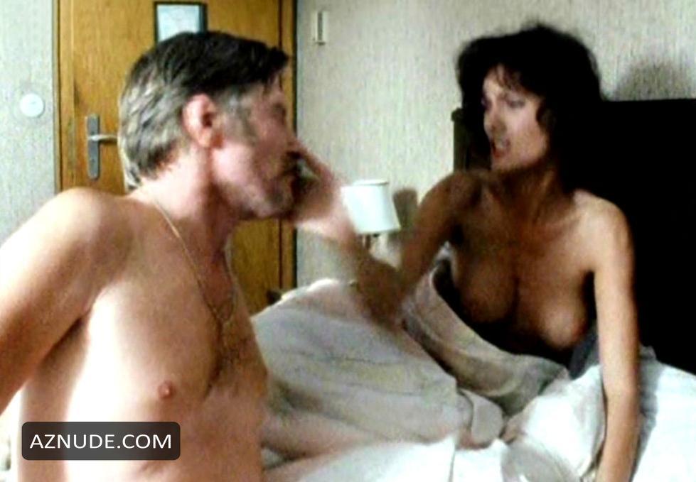 Julia Channel und Tabatha Bargeld - Threesome Szene