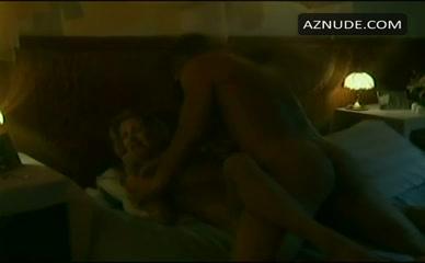 Naked women suck
