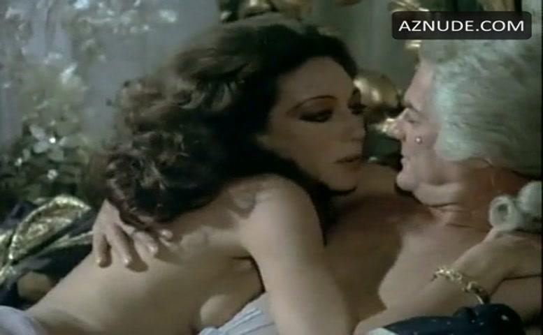 Marisa Berenson Breasts Scene In The Amorous Mis -1465