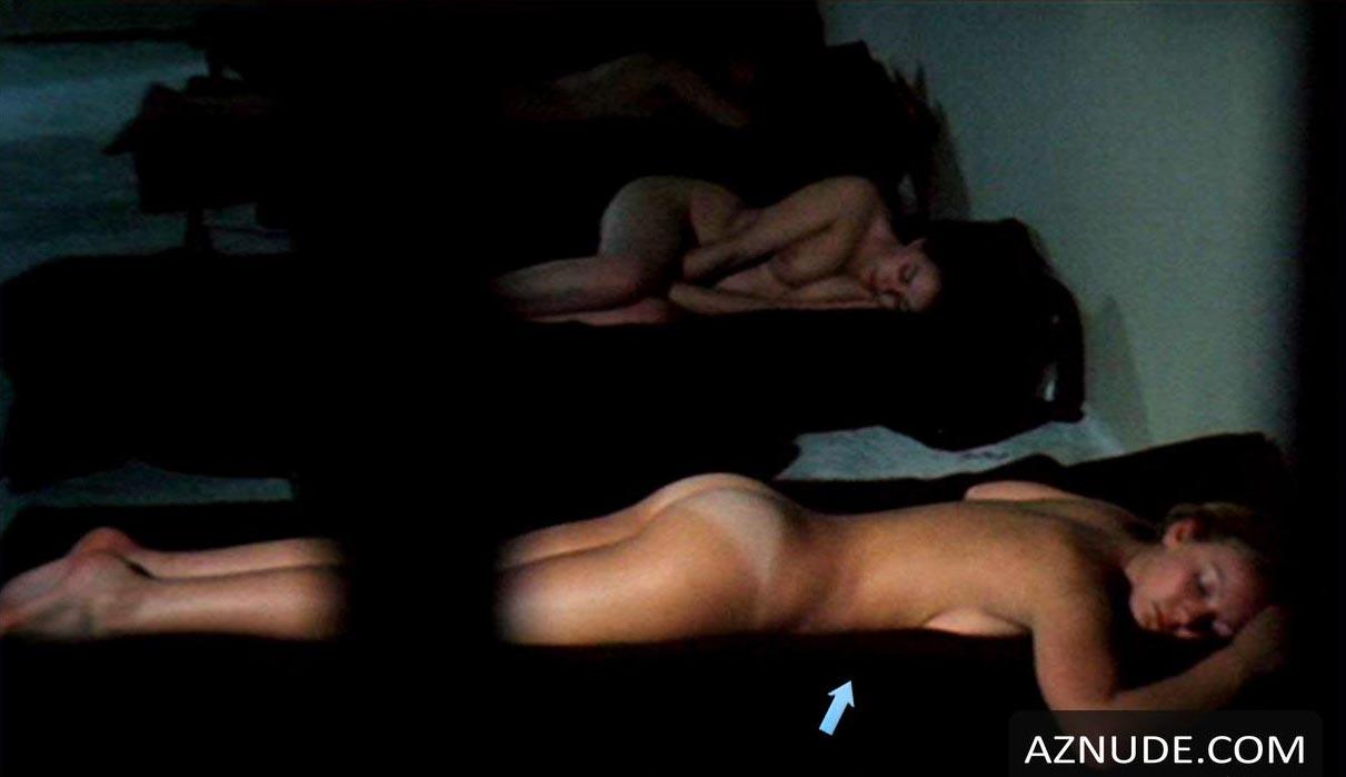 nude women at bars