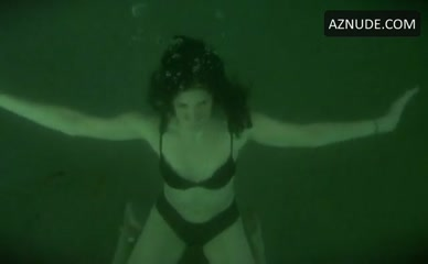Mary louise parker nude swiming