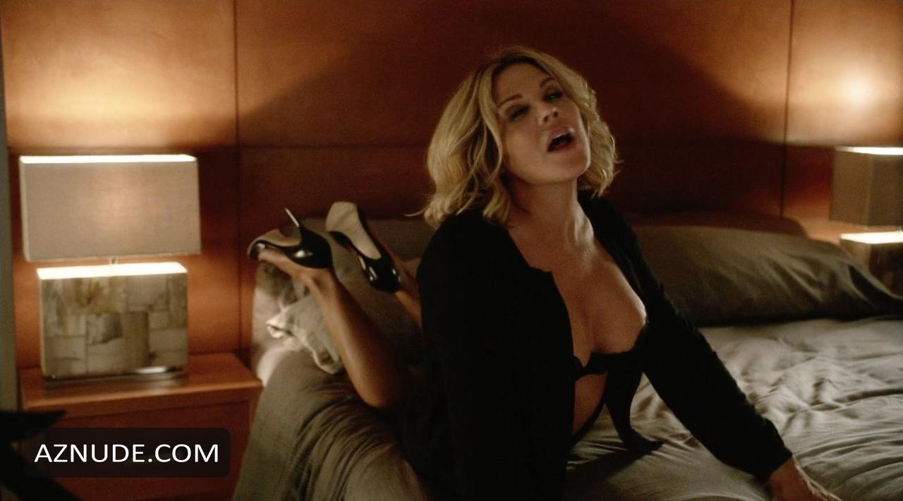 Mary McCormack Nude in In Plain