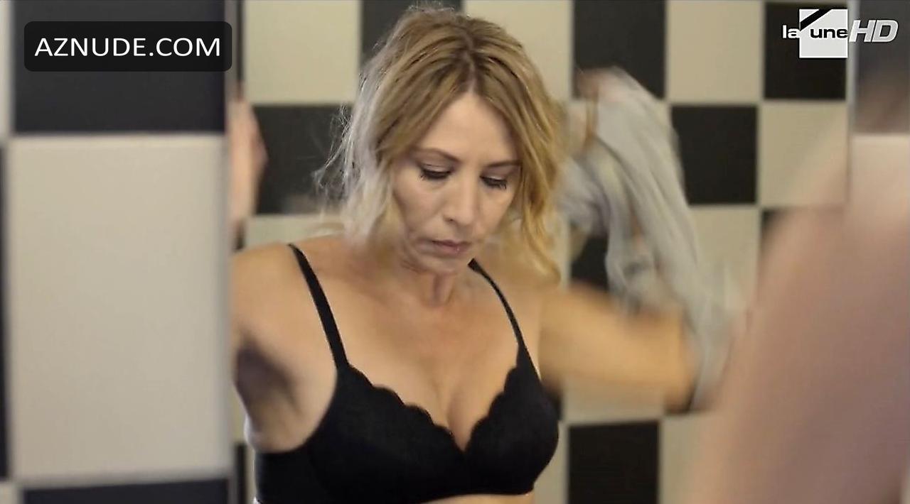 Mathilde Seigner  nackt