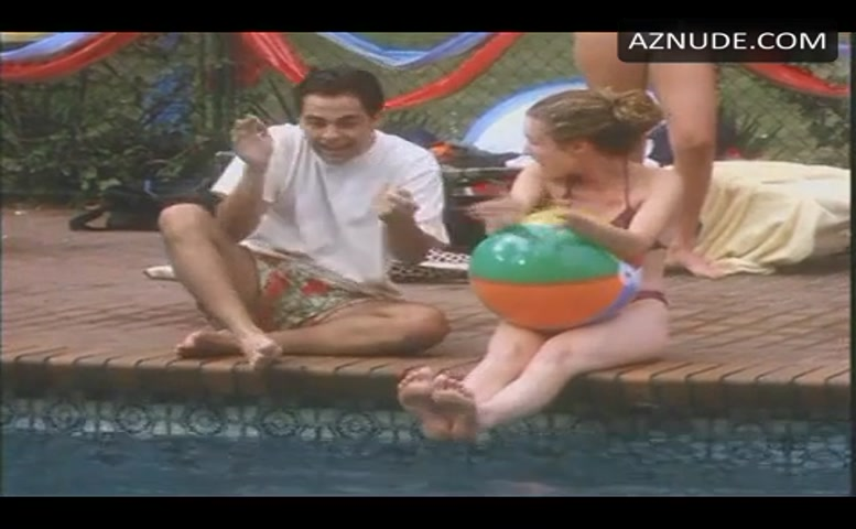 Melissa Joan Hart Bikini Scene In Sabrina, The Teenage -7278
