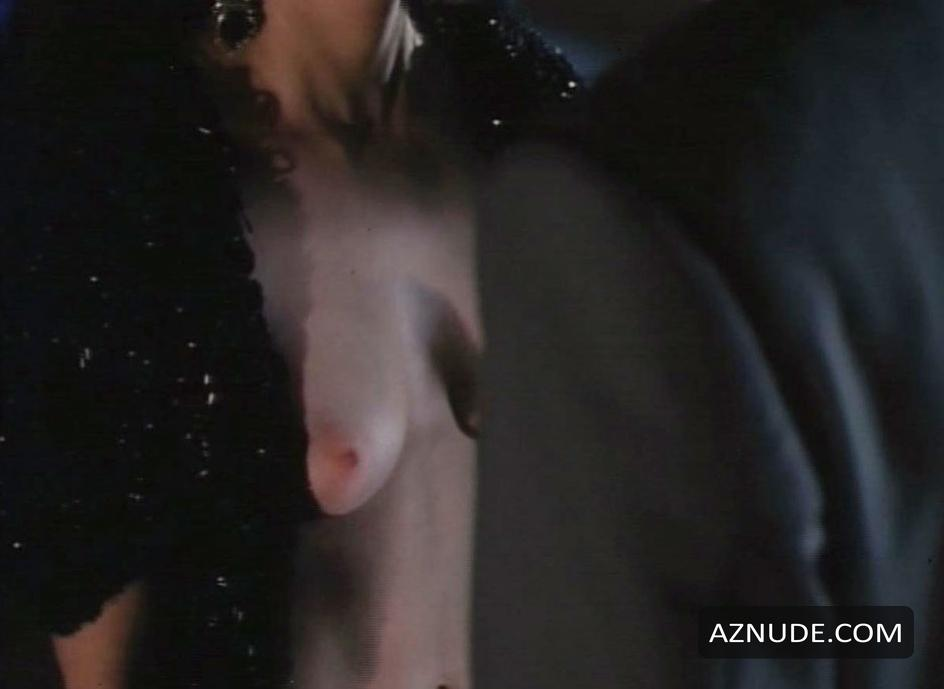 Mia Kirshner Nude Pictures