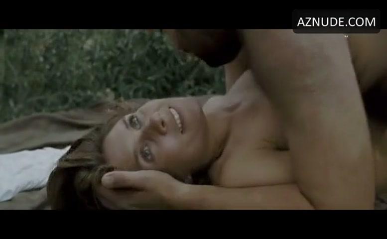 Julie Andresen  nackt