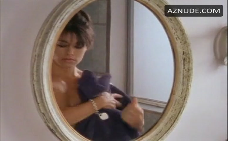 man-sex-lesbian-sex-scenes-mia-zottoli-reality