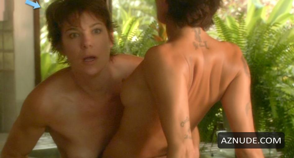 Michelle Wolf Nude
