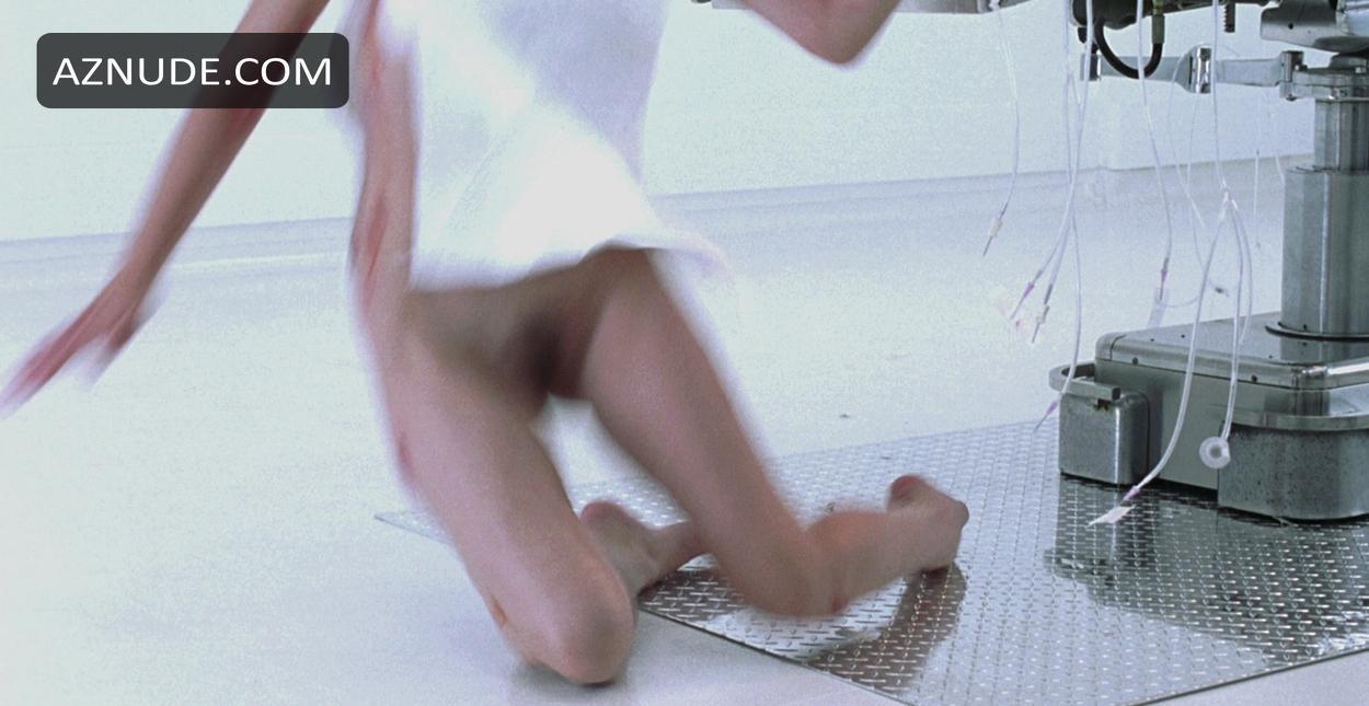 Milla jovovich naked resident evil