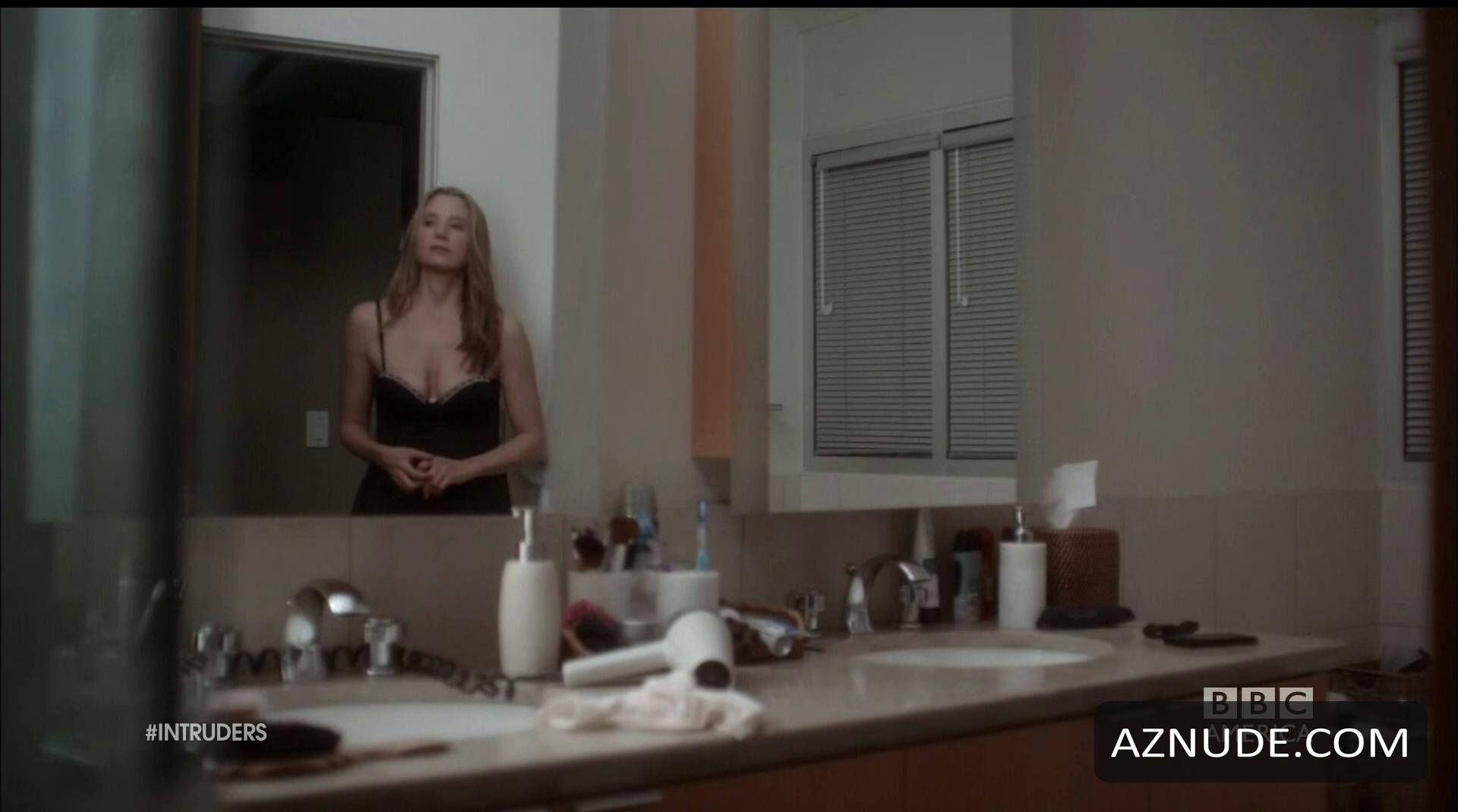 Nude video sorvino mira