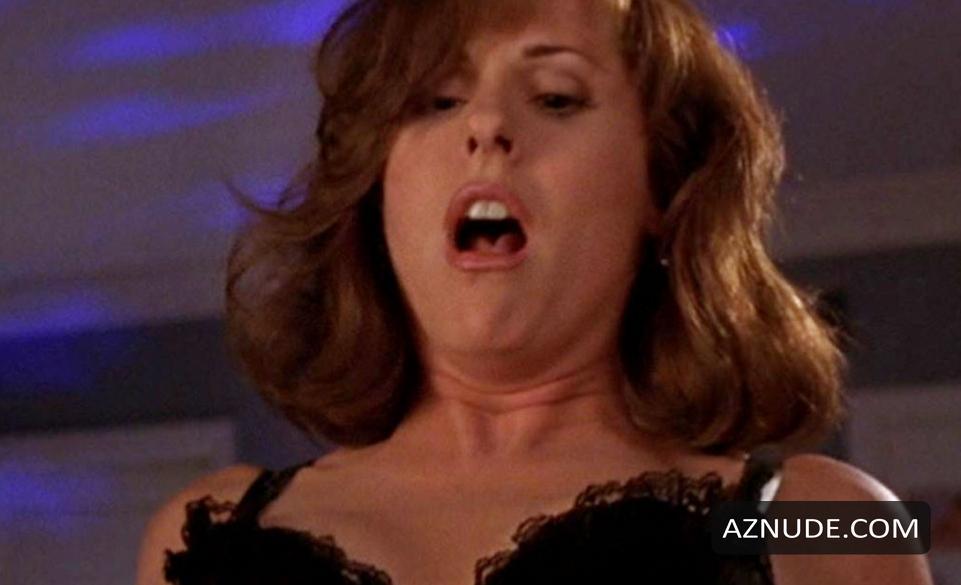 Hilary duff lesbian kiss