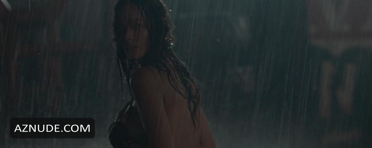 Free preview of moon bloodgood naked in what just happened
