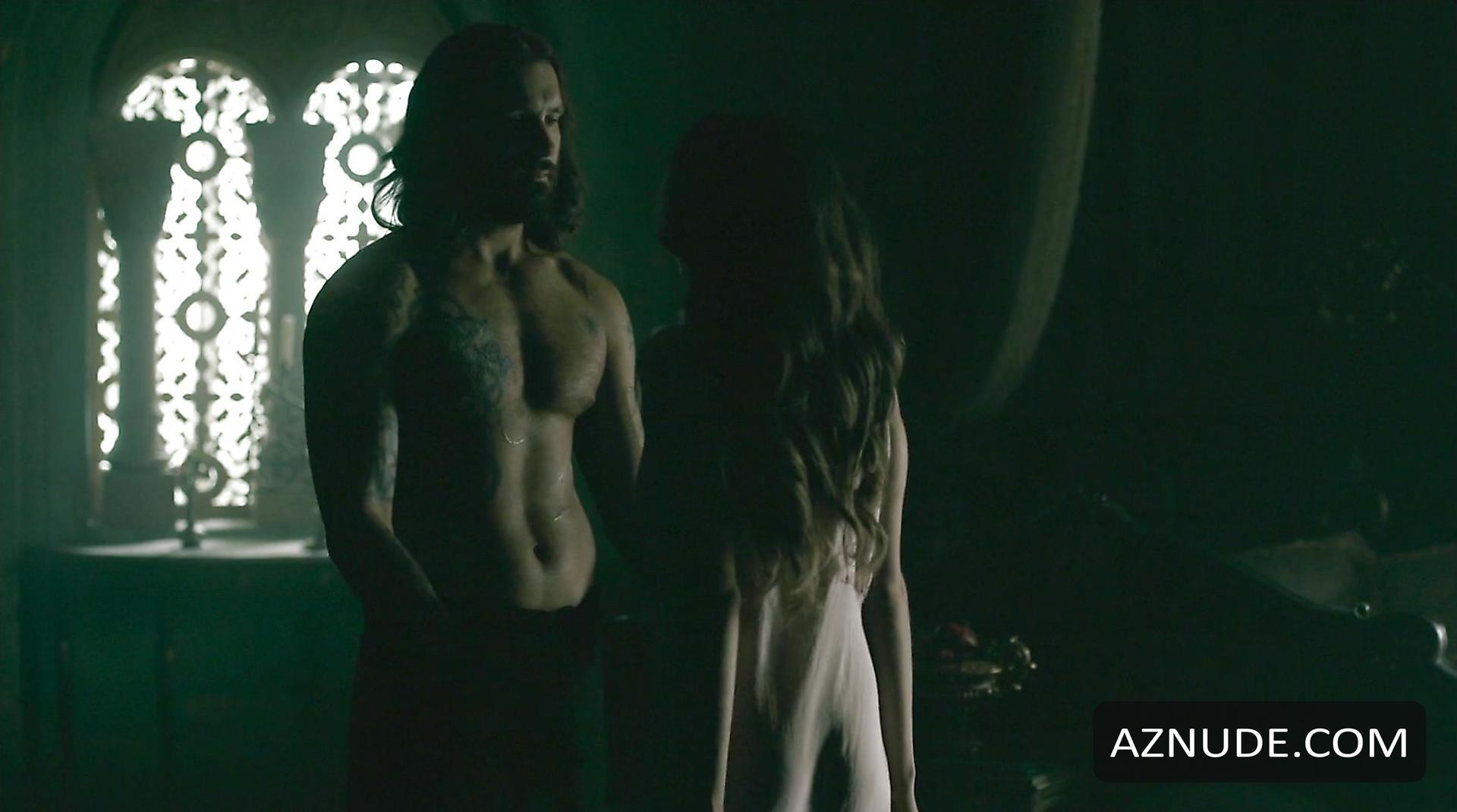 Vikings Nude 100