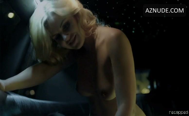 ametuer milf blonde naked