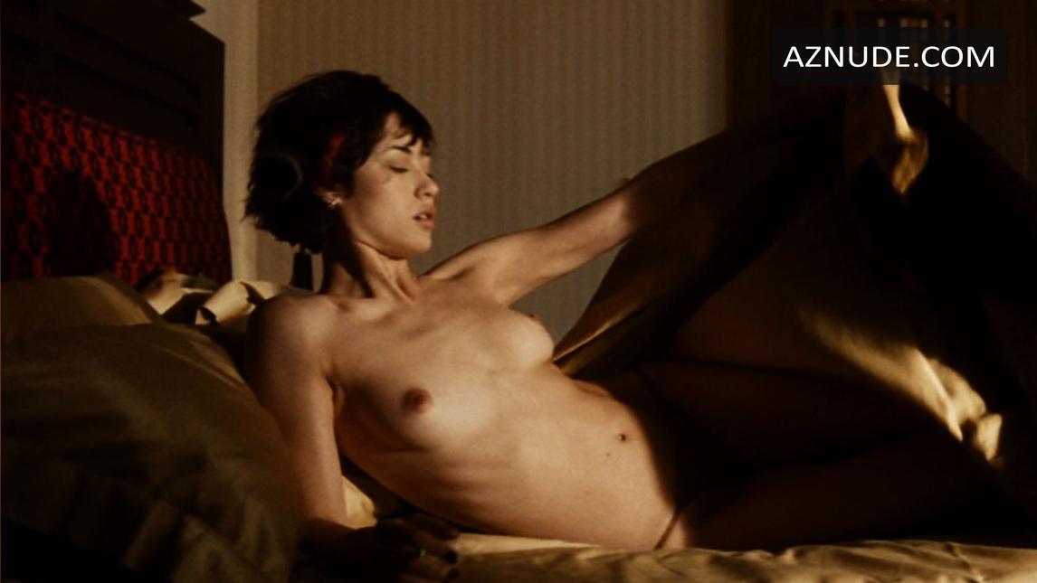 Naked girl on hitman