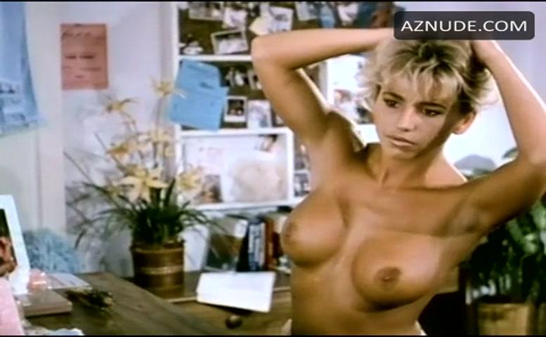 Pam Ward  nackt