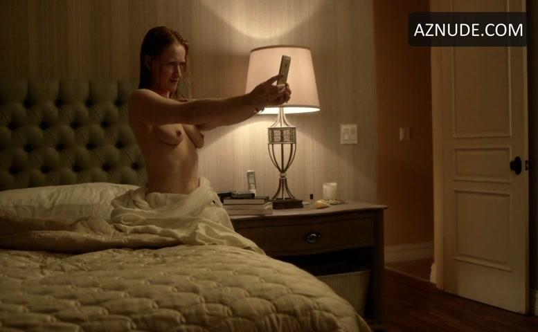 paula-malcomson-topless-tits-legal-movies