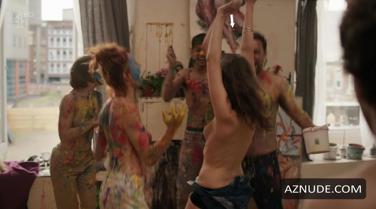 Emma stone topless in the favourite on scandalplanetcom - 2 part 3